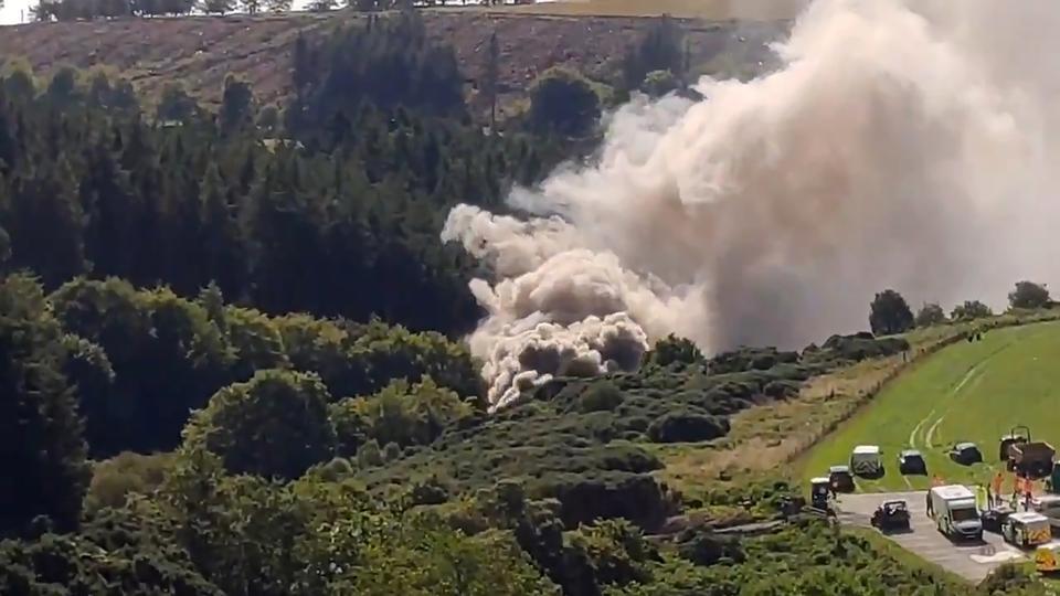 Tre er døde i voldsom skotsk togulykke