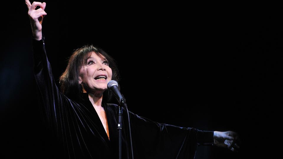 Ikonisk fransk sangerinde er død