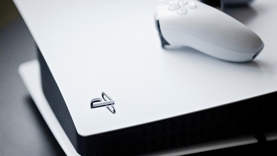 PlayStation 5 er en sansende, sofalækker spillemaskine...