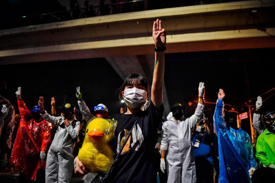 Aktivister i Thailand kan få fængsel for at fornærme kongen