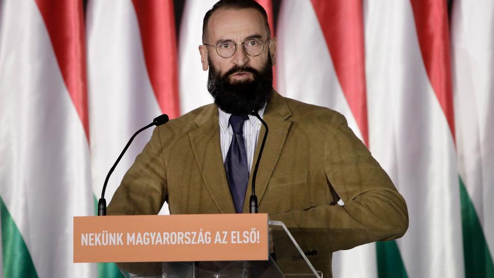Ungarsk EU-politiker siger op efter ulovlig fest i...