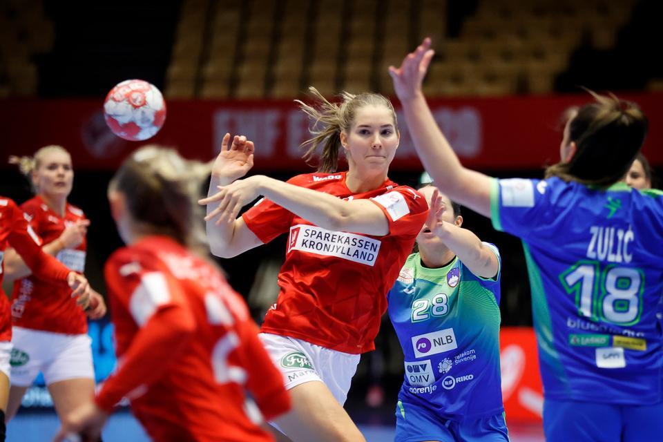 Live: Følg kampen mellem Danmark og Slovenien