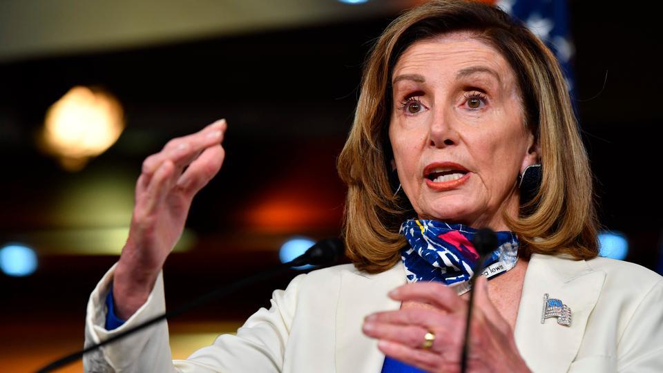 Pelosi: »Hun kan hugge dit hoved af, og...