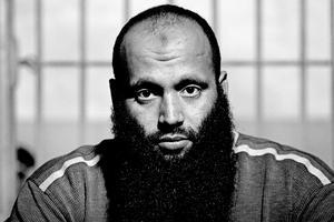 »Jeg er uskyldig. Og jeg er 100 procent sikker på, at jeg en dag kommer hjem til Danmark«, sagde Omar Maarouf, da Politiken i 2004 interviewede manden med det gigantiske skæg i et fængsel i Marokko.