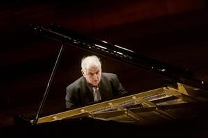 Daniel Barenboim giver koncert i DR Koncerthuset.