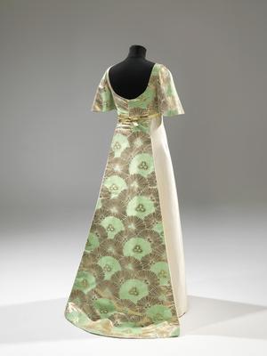 En kreation af Jørgen Bender med japansk silke.