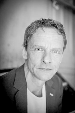 Olaf Johannesen blev kendt i sin rolle som statsminister i 'Forbrydelsen 3', men har spillet teater i hele sit voksenliv.