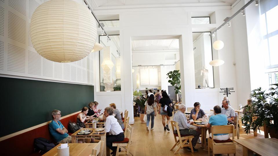 Madanmeldelse af Kafeteria (Statens Museum for Kunst) fra politiken.dk