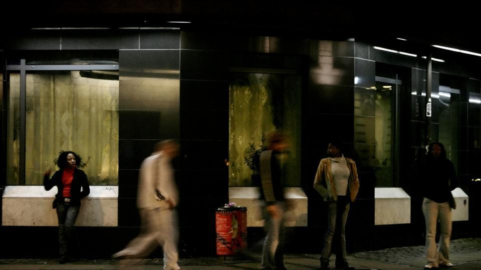 moden massagepige hotel nær københavns hovedbanegård