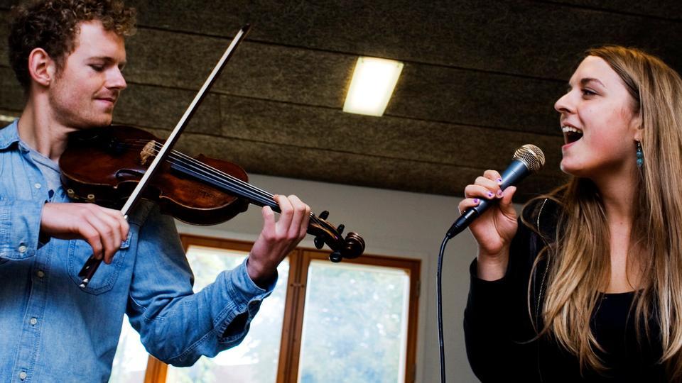 Kunstskoler Bakker Op Om Nye Krav Til Musikstuderende Politikendk