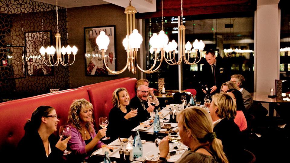 Madanmeldelse af Sticks'n'Sushi Sky Bar (Hotel Tivoli) fra politiken.dk