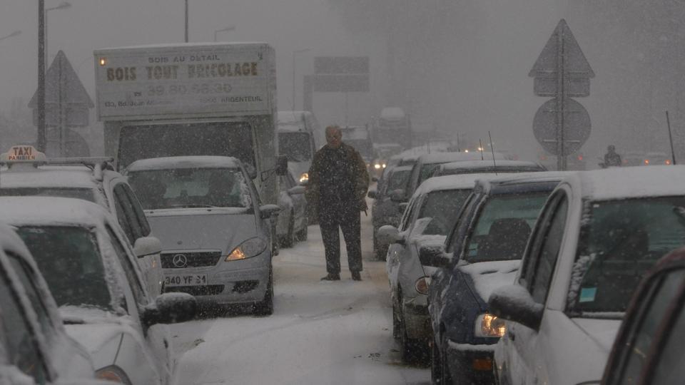 Nyt snefald i Europa skaber trafikkaos - politiken.dk