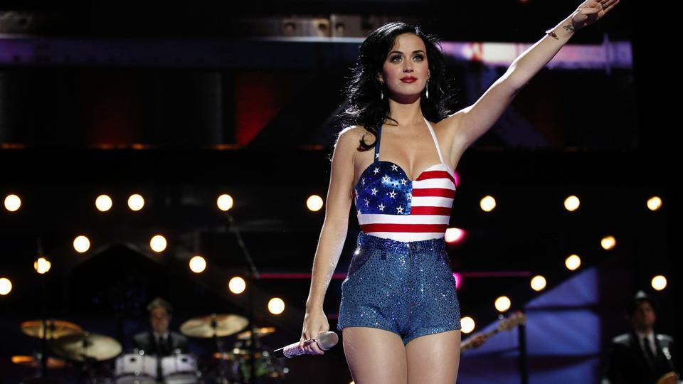 Katy Perry: Jeg havde ingen barndom - politiken.dk