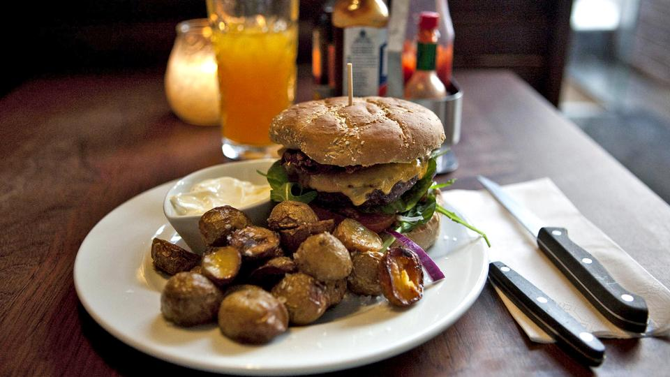 Madanmeldelse af Bronx Burger Bar fra politiken.dk
