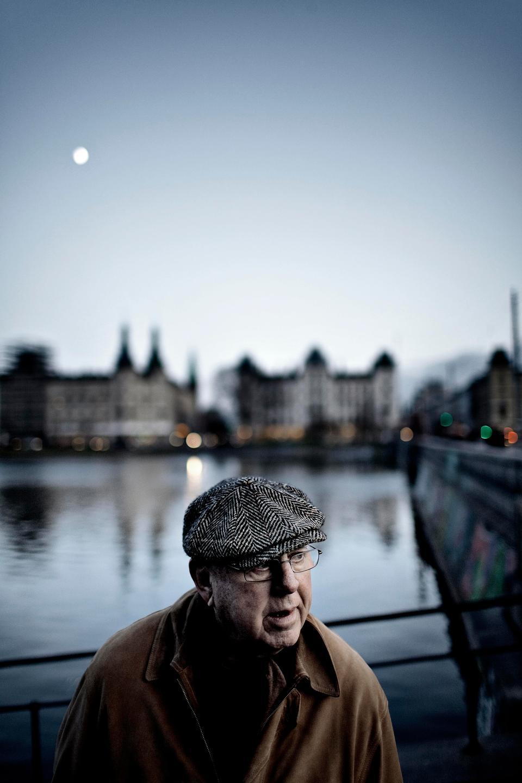 Rifbjerg sparker stadig med sit sproglige ben - politiken.dk