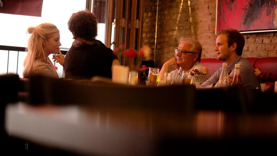 Madanmeldelse af Hoppes Bar & Cafe fra politiken.dk