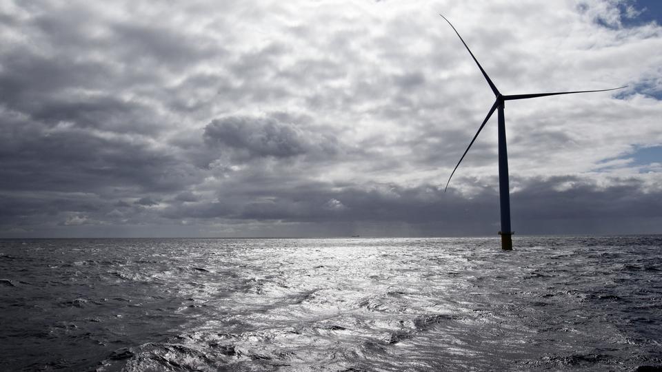 Dong Energy sælger vindmøller for milliarder - politiken.dk