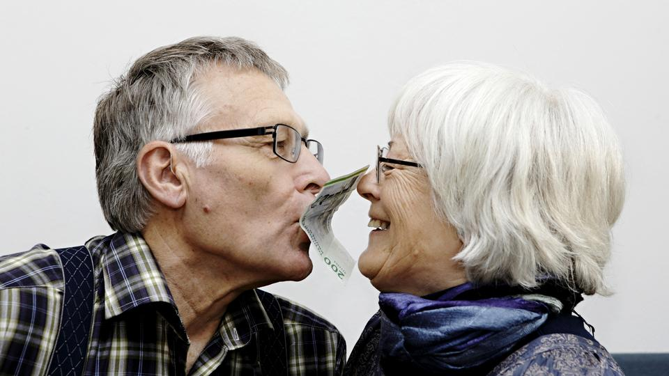 ansel elgort dating nu