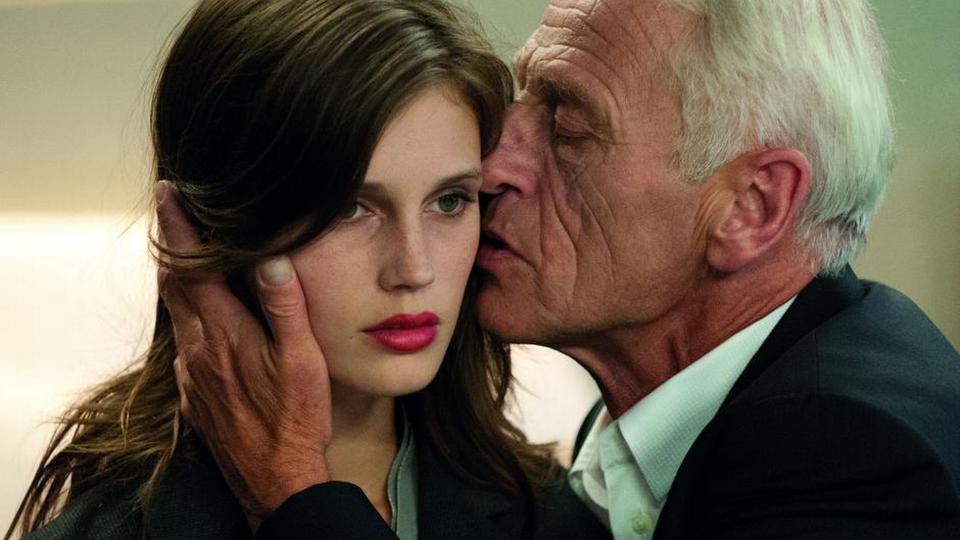 Emma sten dating forbi