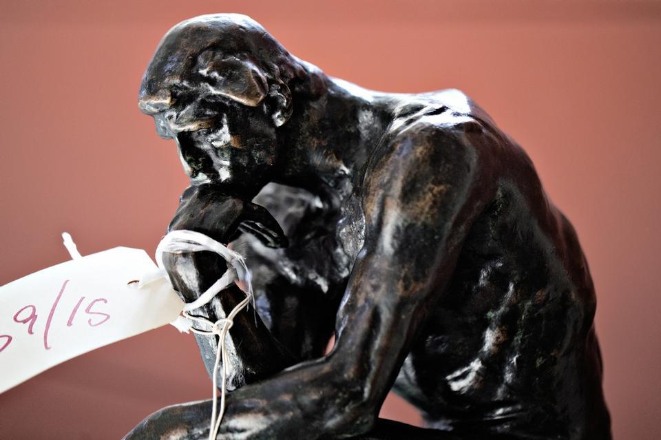 Sagens hovedperson, den 37 centimeter høje Grubler, der to gange er blevet erklæret falsk af Rodin-komiteen.