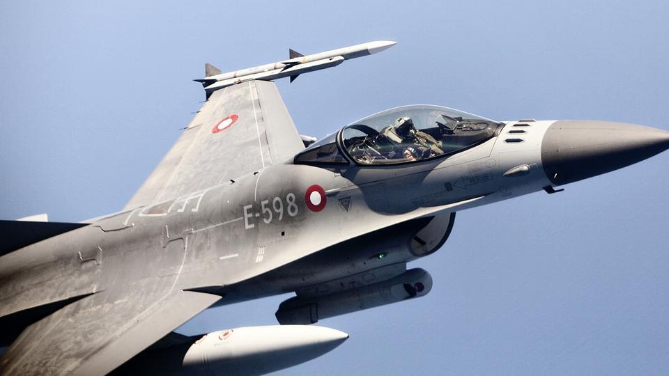 Danske kampfly slutter sig til offensiv mod IS i Raqqa ...
