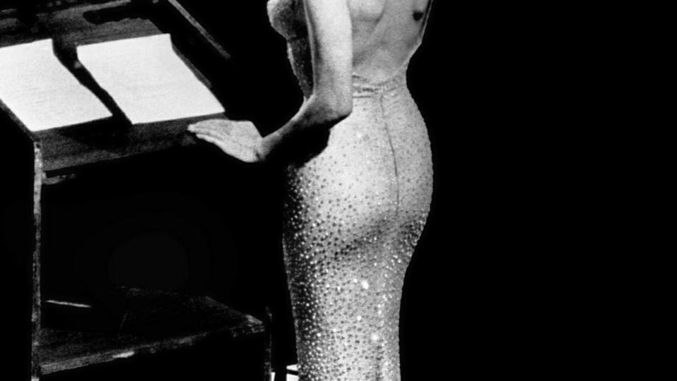 1fad00eabf0e Legendarisk stram Marilyn Monroe-kjole gik for 33 millioner - politiken.dk