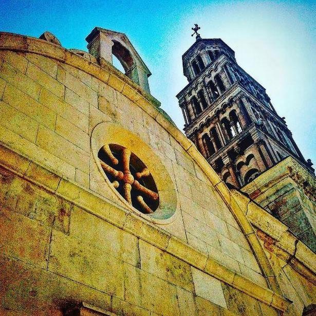 En gåtur rundt i den smukke gamle bydel i den kroatiske by Split.