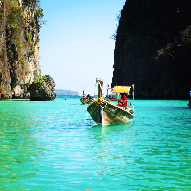 Tiden står stille en tidlig morgen ved de thailandske Phi Phi-øer.