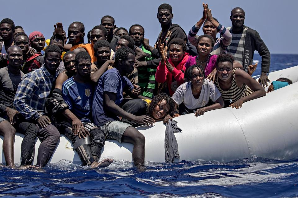 Refugees are sailing from the coast of Libya in open wooden boats that have room for up to 1.000 people. Often they cram together in rubber boats like this which has 134 people on board. When 'Sea-Watch 2' found the boat, it had already been at sea for three days.